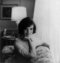 Jacqueline Kennedy (White House) (Source: Wikipedia (Jacqueline Kennedy))