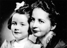 Emilie Schenkl with her daughter Anita (Source: Rediff (Slideshow))